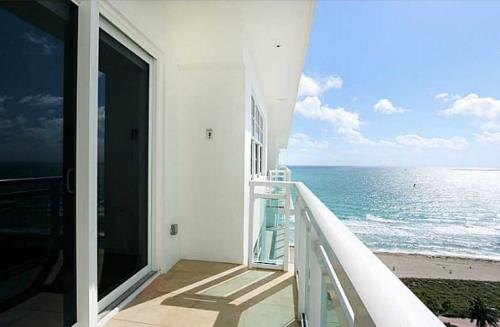 6917 Collins Avenue 7 PENTHOUSE Photo 1