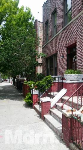 Longfellow Avenue Photo 1