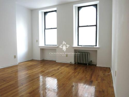 2 bed, $3,250 4SX Photo 1
