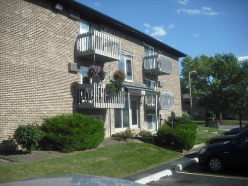 2 bed, $1,100 F Photo 1