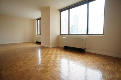 2 bed, $3,900 43 Photo 1