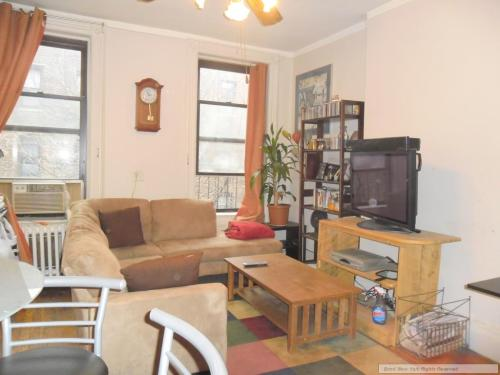 1 bed, $1,699 5 Photo 1