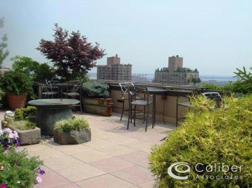 2 bed, $3,500 25 Photo 1
