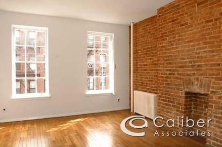 1 bed, $2,425 3F Photo 1