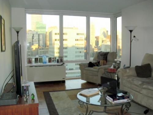 1 bed, $3,600 PENTHOUSE Photo 1