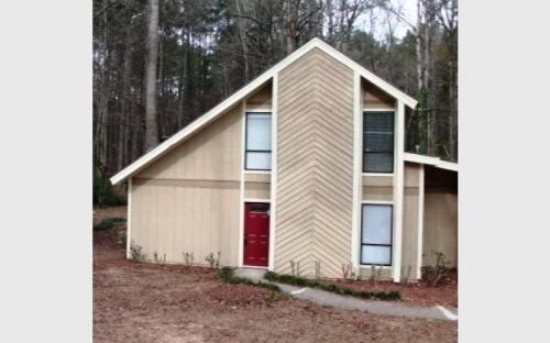 3951 Woodland Circle Photo 1