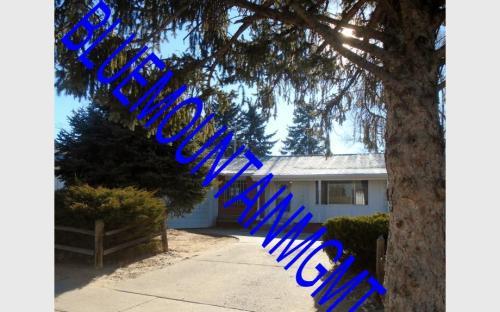 2919 Greenwood Circle Photo 1
