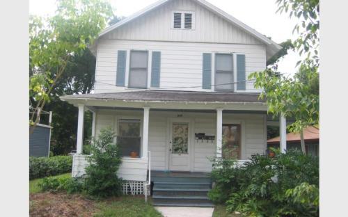 516 E Anderson Street Photo 1