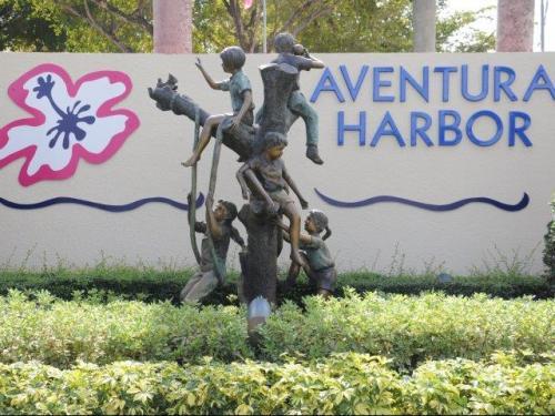 Aventura Harbor Apartments Photo 1