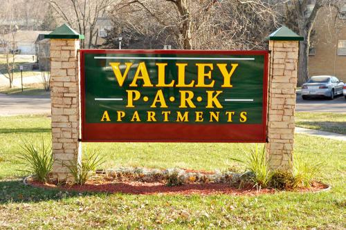 Valley Park Apartments Photo 1