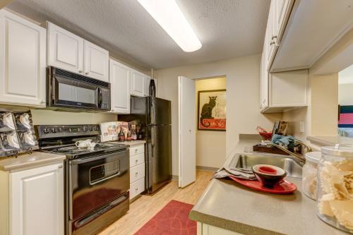 Breckenridge Apartment Homes Photo 1