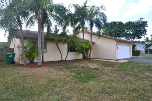 10260 SW 144th Place Photo 1