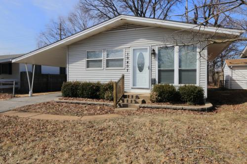 10407 Lilac Ave Photo 1