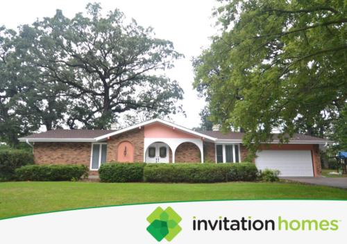 1070 Woodcliff Dr Photo 1