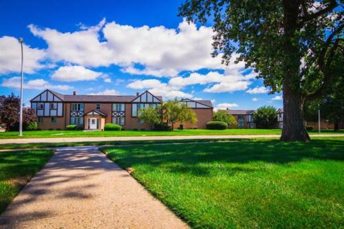 President Madison Apartments Photo 1