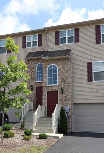 Crooked Hill Townhomes Photo 1