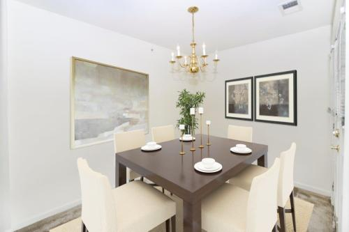 The Horizons at Franklin Lakes Apartment Homes Photo 1