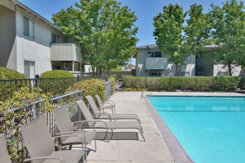 Sterling Pointe Apartments Photo 1
