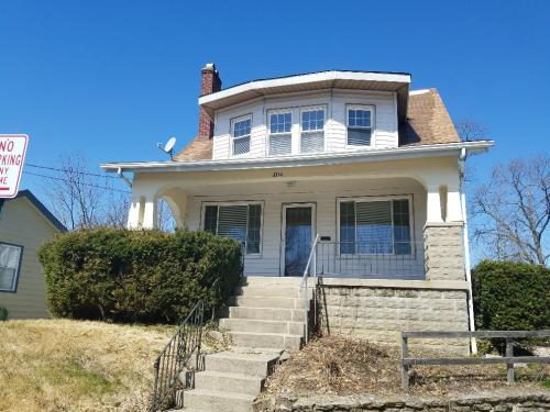 4228 Harding Avenue Photo 1