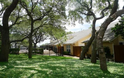 Arbors at Tallwood Apartments Photo 1