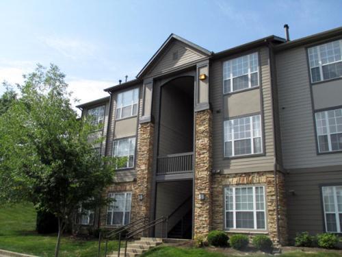Enclave Hartland Apartments Photo 1