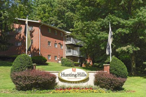 Hunting Hills and Mallow Hill Apartments Photo 1