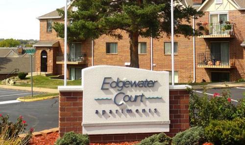EdgeWater Court Apartments Photo 1
