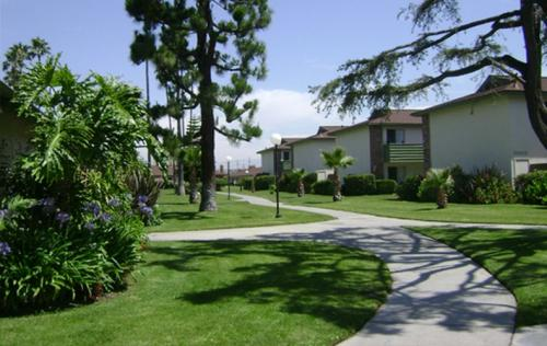 Orangewood Gardens Photo 1