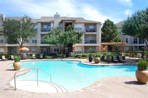 Stone Canyon Apartment Homes Photo 1
