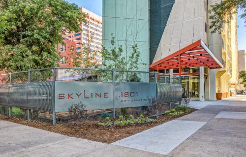 Skyline 1801 Photo 1