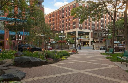 Mears Park Place Photo 1