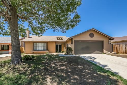 25948 Delphinium Avenue Photo 1