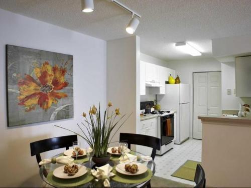 Ashley Cascade Apartments Photo 1