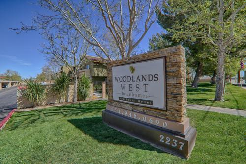 Woodlands West Townhomes Photo 1