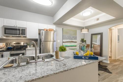 2803 Riverside Photo 1