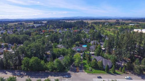 Commons at Dawson Creek Apartments Photo 1