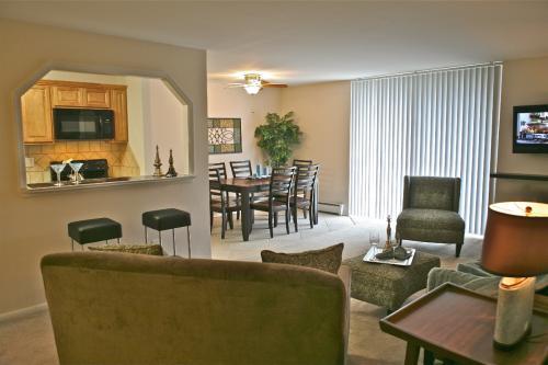450 Green Apartments Photo 1