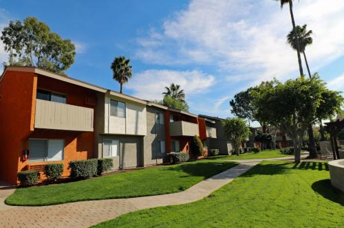 Pacific Trails Luxury Apartment Homes Photo 1