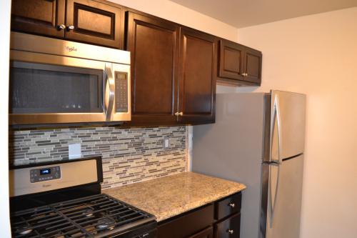 Willow Lake Apartment Homes Photo 1