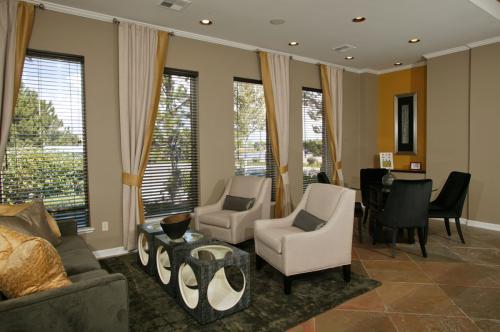 Westlake Greens Apartments Photo 1