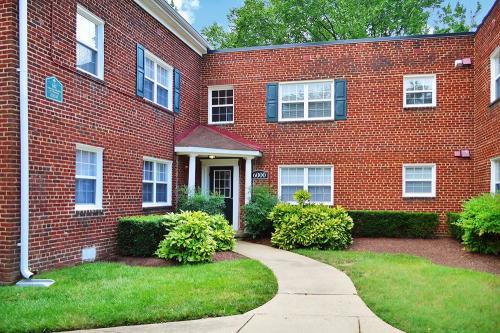 Parkland Village Apartments Photo 1