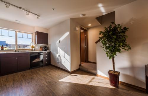 Aster Townhomes Photo 1