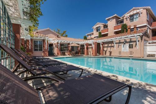 Aviare Apartments Photo 1