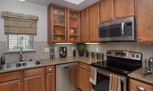 Estancia Townhomes Photo 1