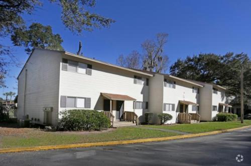 Aviara Apartments Photo 1
