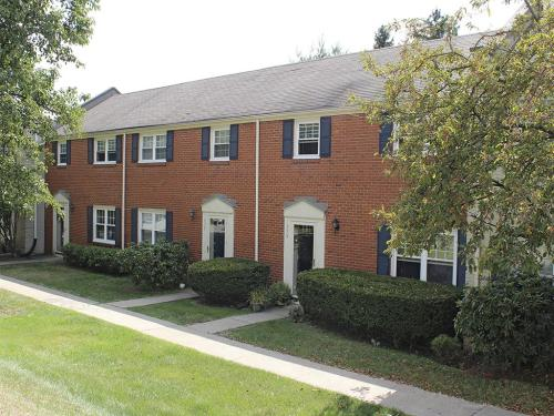 Governors Ridge Apartments Photo 1