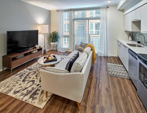 Hadley Apartments Photo 1