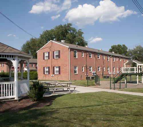 Frederick Greenes Apartments Photo 1