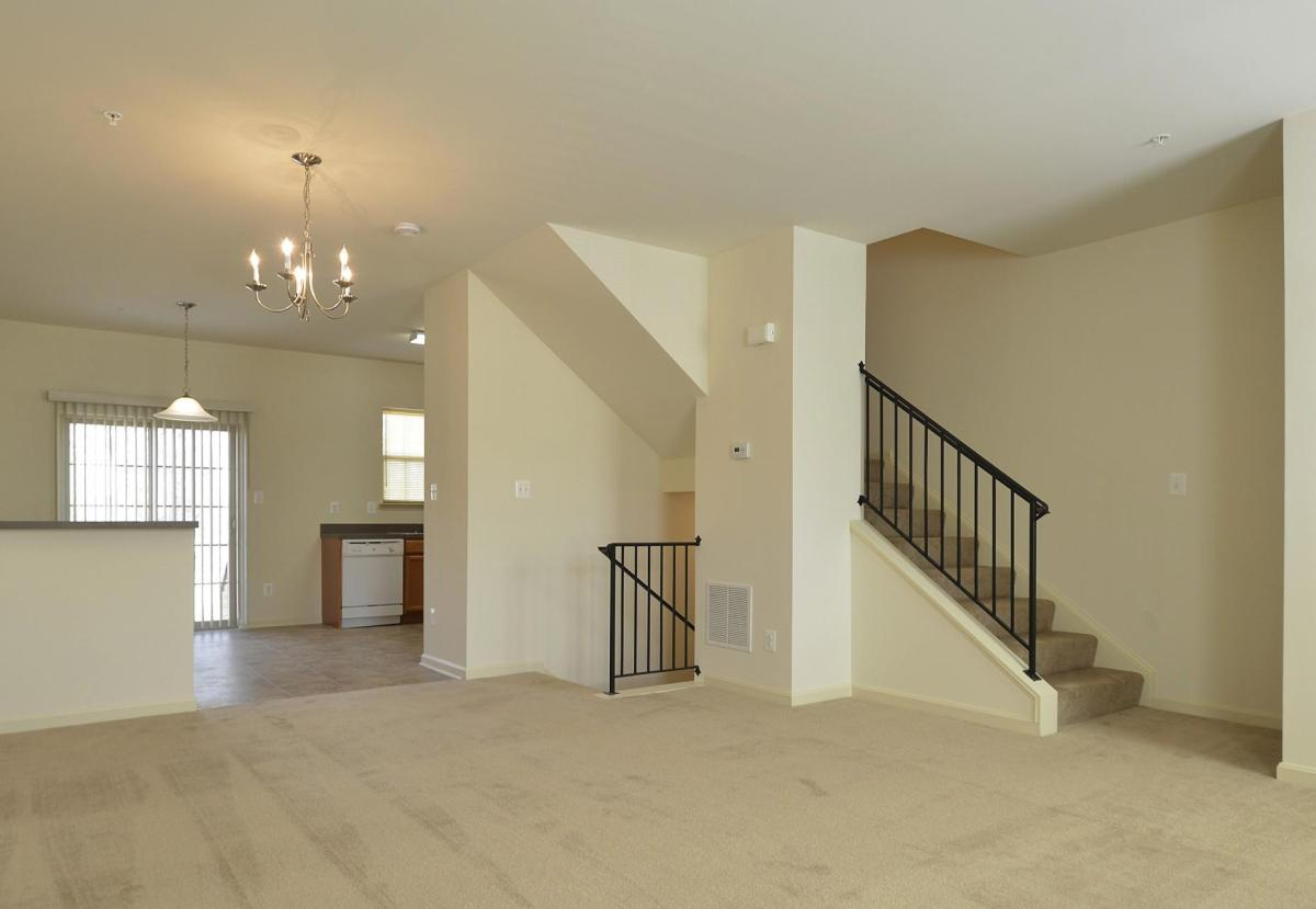 Groovy The Pointe At Manorgreen Townhomes Interior Design Ideas Grebswwsoteloinfo
