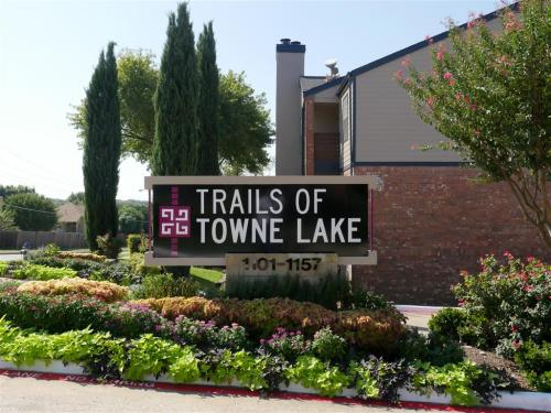 Trails of Towne Lake Photo 1